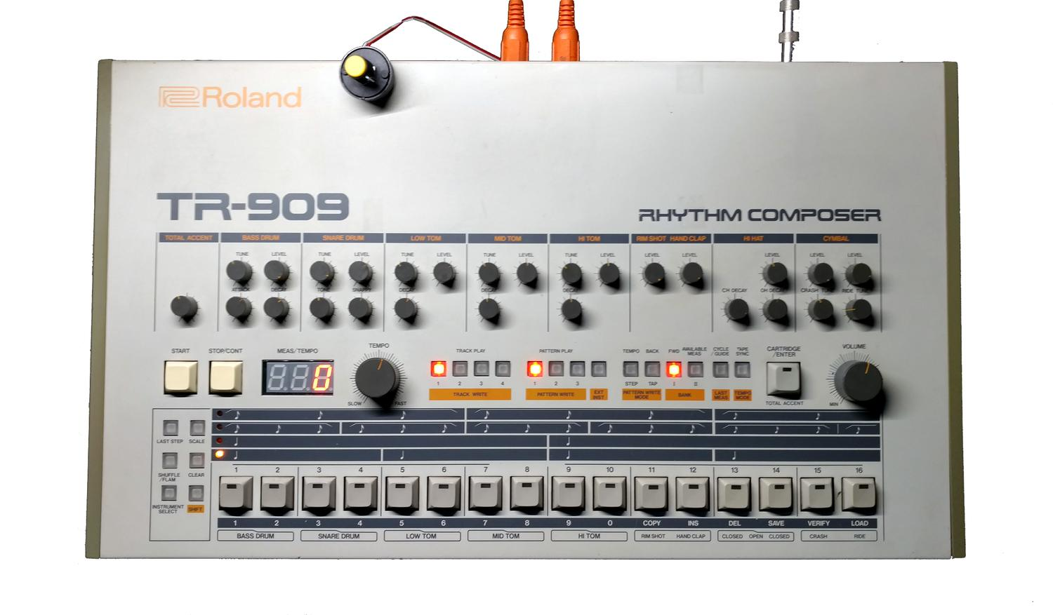 Roland Tr 909 Digital Mods Memory Midi Os Led Upgrades Crowd Part Of Old Vintage Analog Printed Circuit Board With Electronic Supply