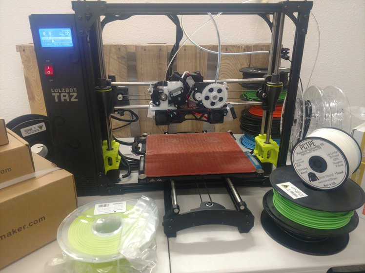 The Twoolhead can print with nearly any material.