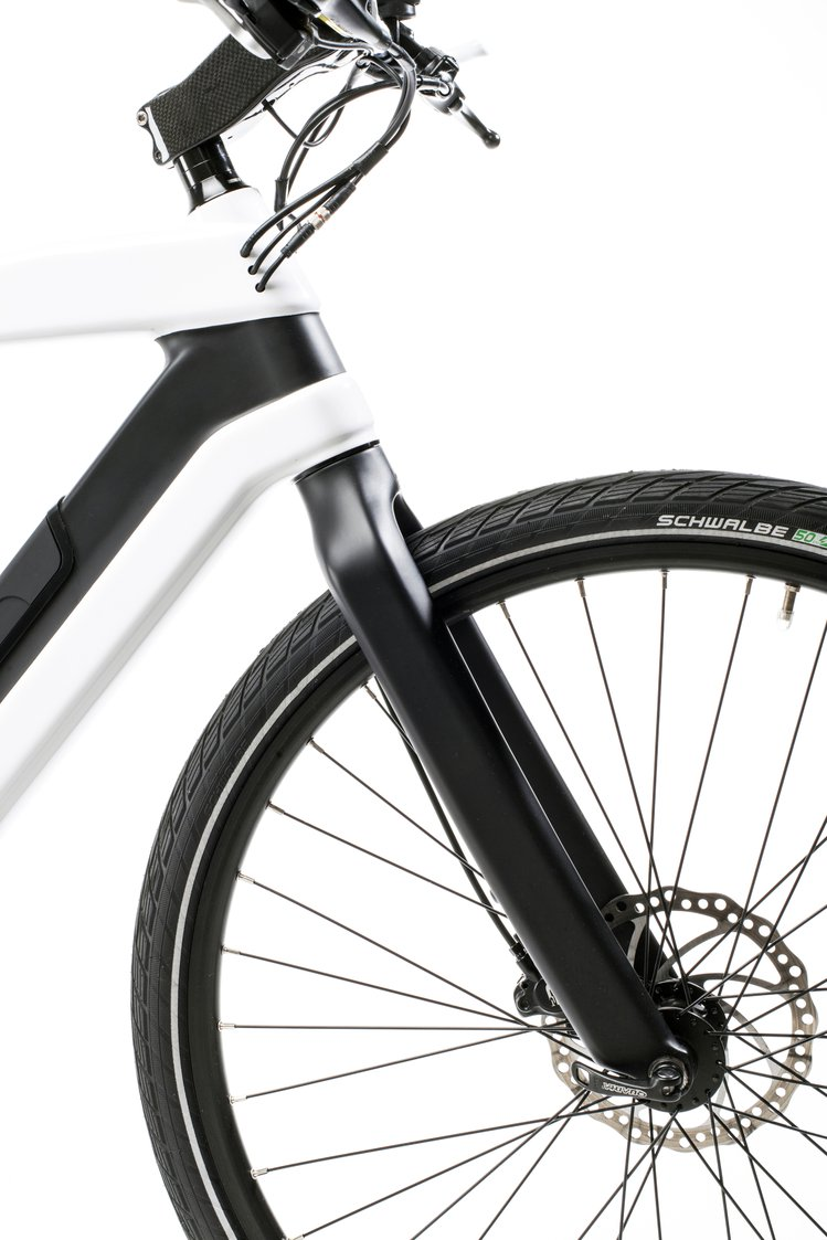 Diavelo Zeitgeist Electric Bike Crowd Supply 36 Volt Fork Lift Battery Charger Wiring Diagram The Rolls On Alex G6000 Double Wall Hole Alloy 700c Rims And Schwalbes Proven Road Slicks With Greenguard For Added Puncture Protection